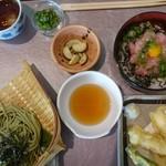 魚屋 - 夏の限定メニューから天ざるミニ丼御膳(ネギトロ丼)