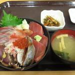 56537147 - 越後海鮮丼990円(税込)