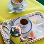 カフェ フラミンゴ - 咖啡(こおふィ)一式(ひとそろひ)
