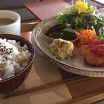 椎名町カフェ - フライもサクサク