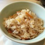庄屋 - 炊き込みご飯  柔らかすぎず美味しい