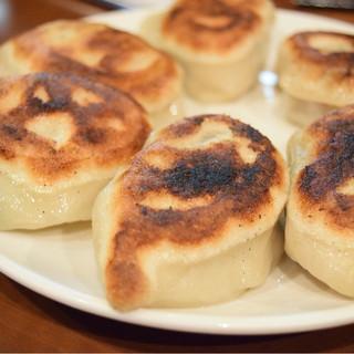 でっかい餃子 曽さんの店 - 料理写真: