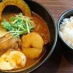 奥芝商店 - 牛蒡&人参抜きの、やわらかチキンカリー990円+海老スープ100円