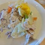 56556169 - ミルクカレー。ルーは別皿でしたのでご飯にかけました。