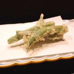 割烹 山路 - インゲン豆の天ぷら