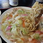 みらく苑 - 長崎皿うどん(太麺)