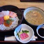 5656995 - 海鮮丼定食(ランチ)