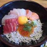 5656997 - 海鮮丼