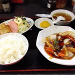 中華料理 孫悟空 - サービス定食 ¥650