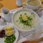 カフェゆとりの空間 - モーニンゴグ・中華雑炊の卵のせ(977円)