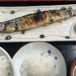 北一食堂 - さんま塩焼き¥450と、ご飯大盛と味噌汁¥380