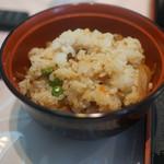 キッチンくま - 定食は五目御飯と普通の御飯を選べる