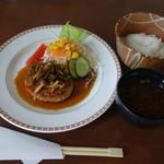 カフェ チヌーク - 料理写真:2016.09 日替わりの和風ハンバーグランチ(680円)