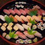 江戸前きよ寿司 - 地魚の入った大皿盛り(4~5人前)