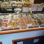 KABOCHA - カラフルなクッキーがいっぱい!スタッフの皆さんが手描きしているそうです♪