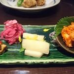 個室×鶏料理 鶏こまち さかいや - 漬物三種盛