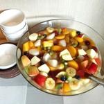 鎌倉やさいとRiche - フルーツポンチ@葡萄、柿、林檎など秋のフルーツたっぷり