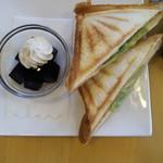Cafe Lab - Hotサンド(たまご・ハム・レタス)・530円