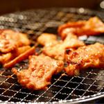 THE ホルモン NAIZOUYA - 伝説ホルモン(とんちゃん)調理中