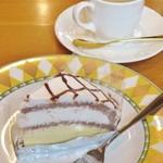 クラップ  - 追加オーダーのケーキ(コーヒーはセットメニューに含まれる)