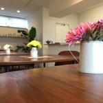 アオイトリ - テーブルのお花可愛い♡