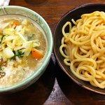 トナリ - タンつけ麺850円