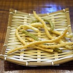 うどん sugita - 揚げうどん、待ち時間サービス
