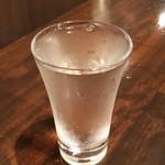 笑日志 - 4周年記念との事で日本酒を1杯頂きました♪