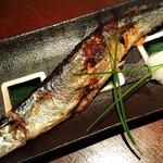 56595213 - 秋刀魚の塩焼き