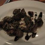 ビストロ グーテ - ビストロ グーテ:砂肝のガーリックソテー