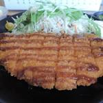 Misaki - チキンカツとサラダ