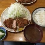 豊島屋 - 【2016.9.21】ロースかつ定食¥950。