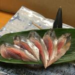 56606296 - 先頭秋刀魚