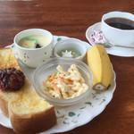 56606459 - ブレンドコーヒー400円と小倉トーストのモーニング