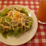 パスタフローラ  - サラダとドリンク