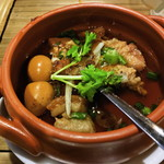 HANOI CORNER DINING BAR - ベトナム風豚肉と卵の角煮(ティットコーチュン)