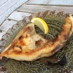 カフェバー ニナ - 島魚のカマ焼き