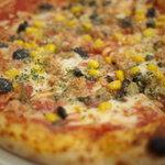 PIZZA DIO - ツナ、ケッパー、コーン&オリーブのトマトソースPIZZA