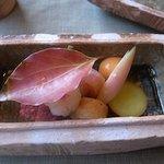 5662135 - 陶箱入りの前菜