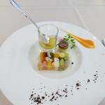 Guranvunuru - オマール海老と旬の野菜のプレッセサフランソースを添えて