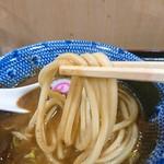 中華蕎麦 とみ田 - 初麺リフト☆濃厚つけ汁によく絡みます