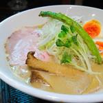 麺69 チキンヒーロー - 2016.9 鶏極濃ラーメン+味玉