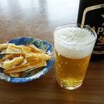 ノシャップ食堂 - 「ビールとお通し。」。。意味なし接写。