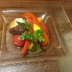 56630396 - 彩り野菜のピクルス