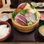 築地食堂 源ちゃん - 本日のお刺身定食