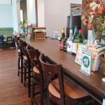 カフェ&ゲームバー ことぶき - カウンター席