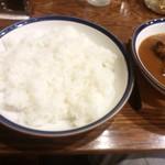 カレーショップ 南陽 - インドカリー(チキン)(ミニサラダ付き)750円