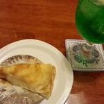 のっぽ - 料理写真:ミルクレープ、メロンソーダ