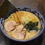 麺 鶴亀屋 - 醤油ラーメン(煮干し油or鶏油)