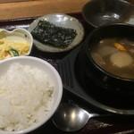 56646197 - スープ定食(ご飯、小鉢2品付)                       牛すじ煮込み(和風味)(¥880)